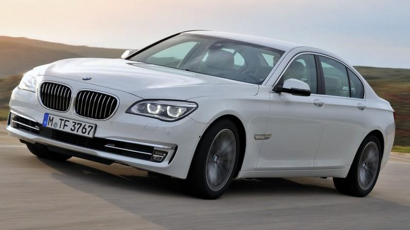 Magát is tudja vezetni az új 7-es BMW