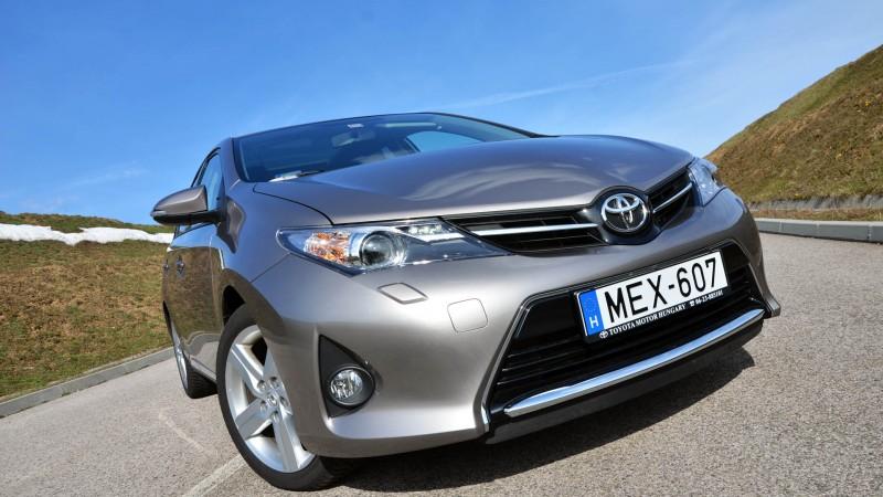 Toyota Auris 1.6 CVT (2013) teszt - Ellentmondásos dinamizmus 9a71bcf1ab