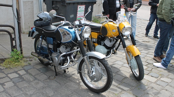 ariel motorkerékpár randevú csatlakoztassa a mobil