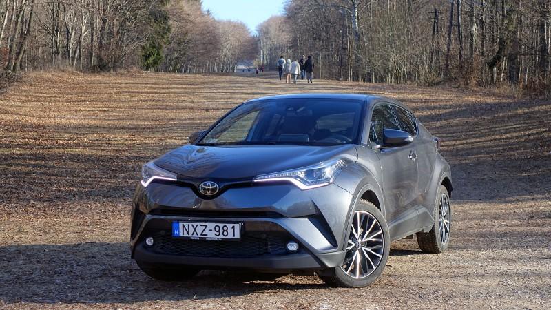 Toyota C-HR 1.2T 4WD CVT (2016) teszt - Menő 5cc2ef0d84