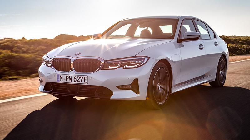 0a4b83e002 Már konnektoros hibridként is bemutatkozott az új 3-as BMW – 330e galéria