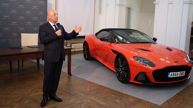 Unikum: a Gablini behozza az Aston Martint – májusban nyit a